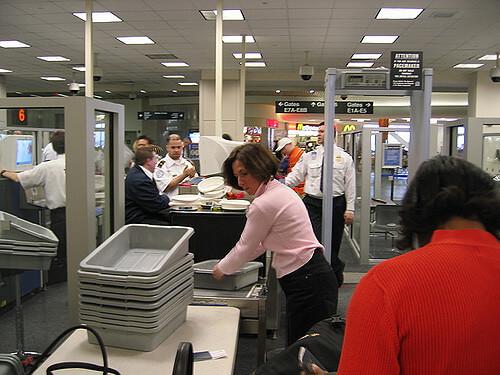 El Negocio De La 'seguridad' Aeroportuaria