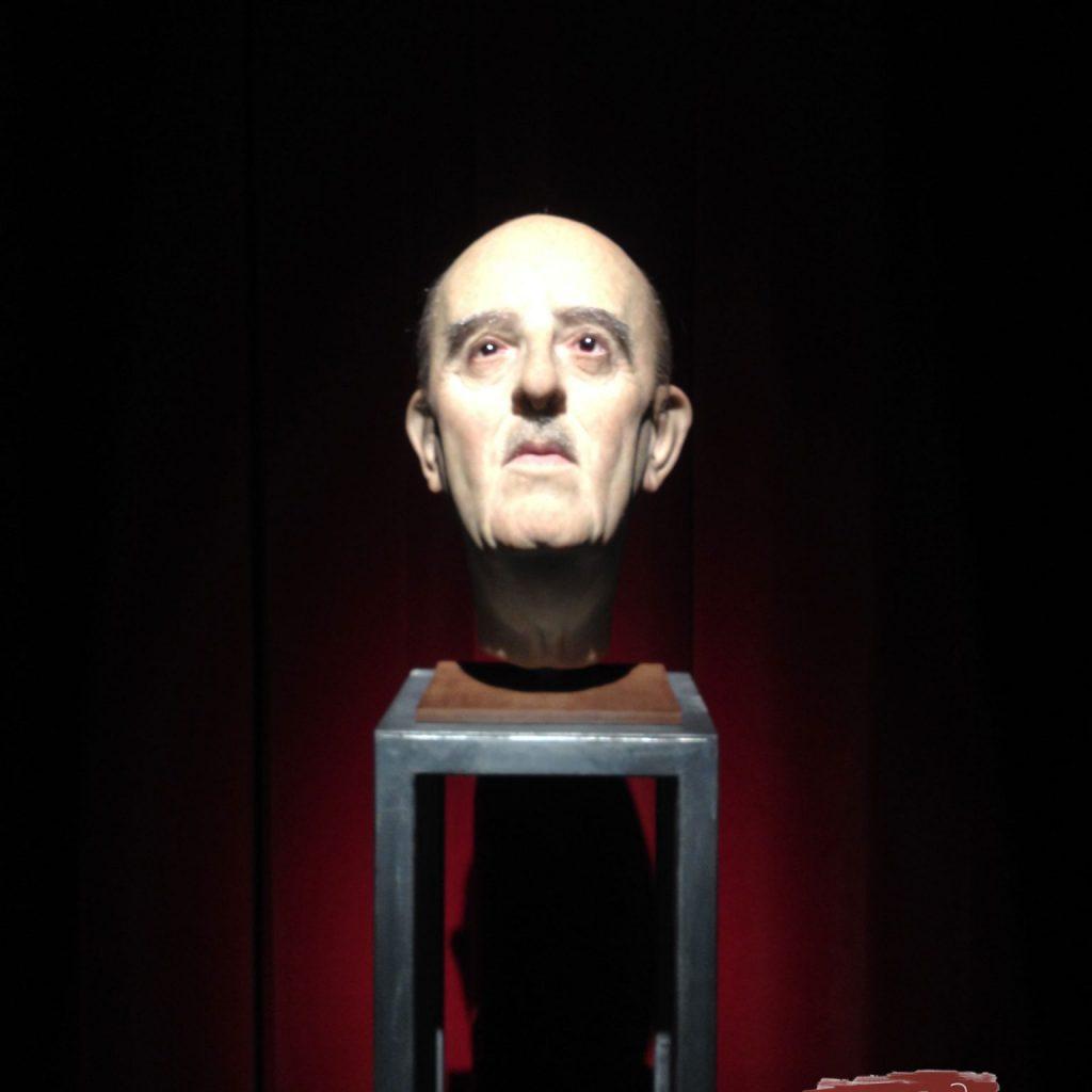 Franco Cabeza Estatua