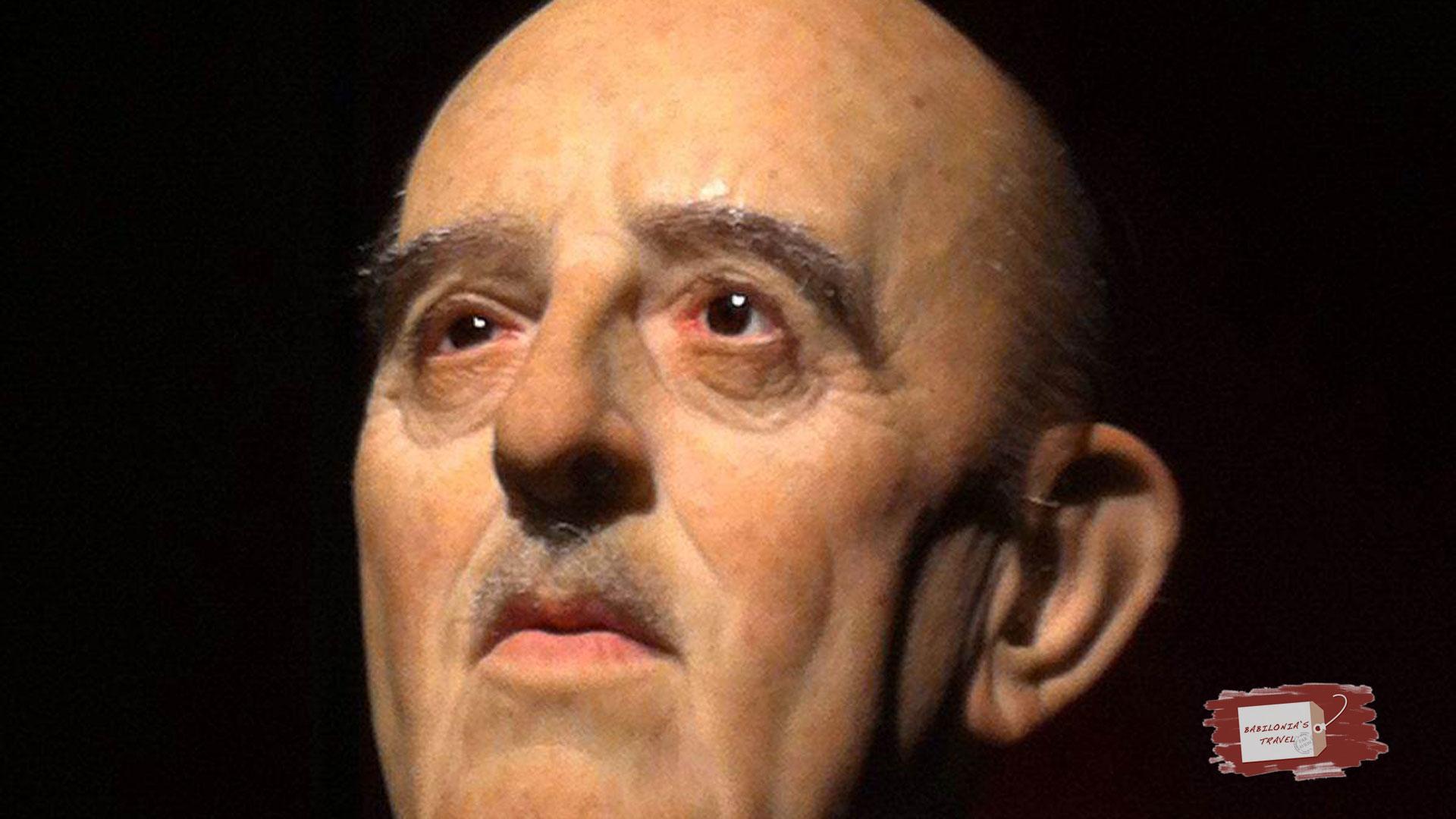 La Performance De Una Estatua De Franco Gana La Batalla A Una Exposición